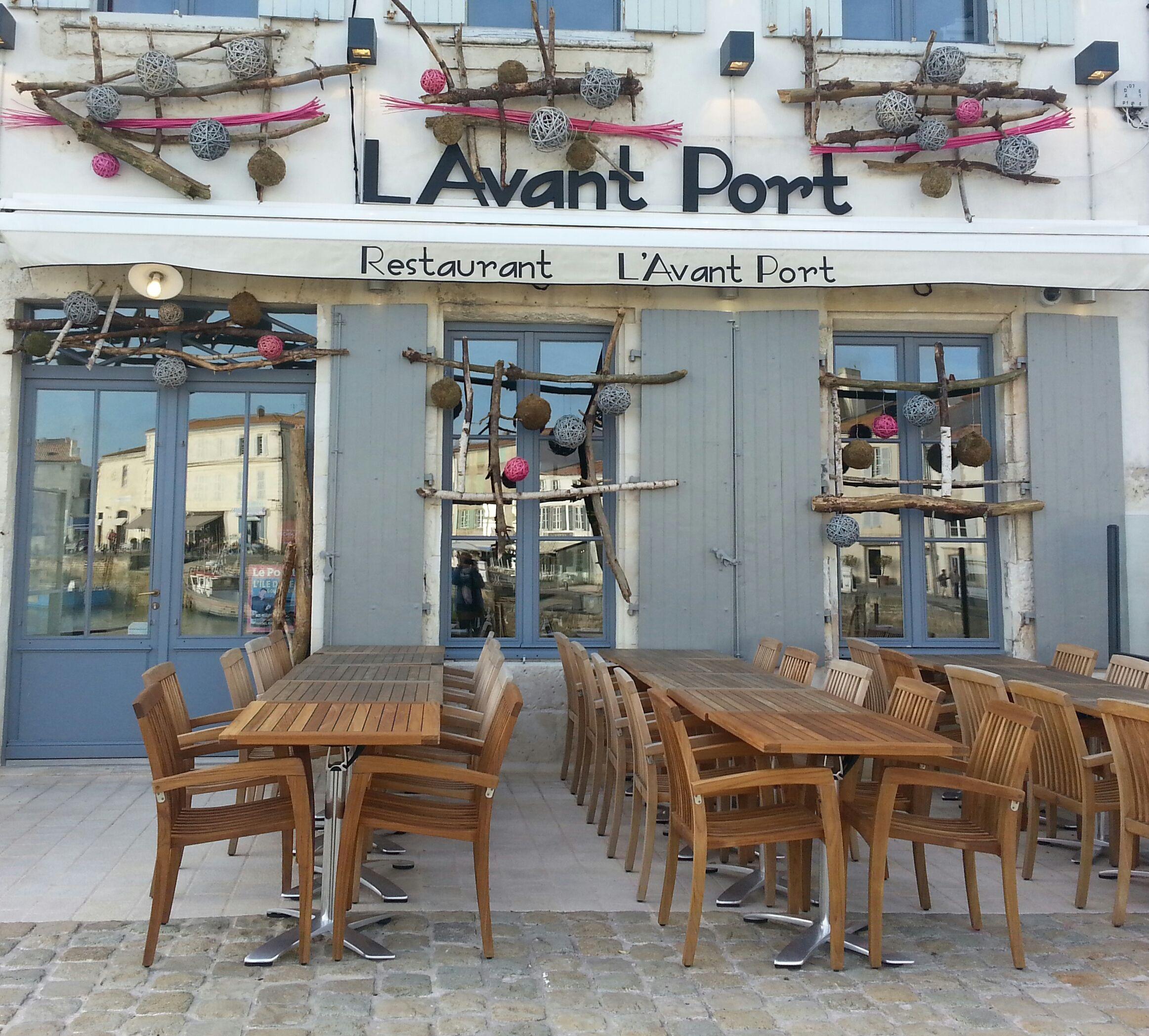 Restaurant L'Avant Port sur le quai de Saint Martin de Ré - crédit photos : My urban sweetnesses