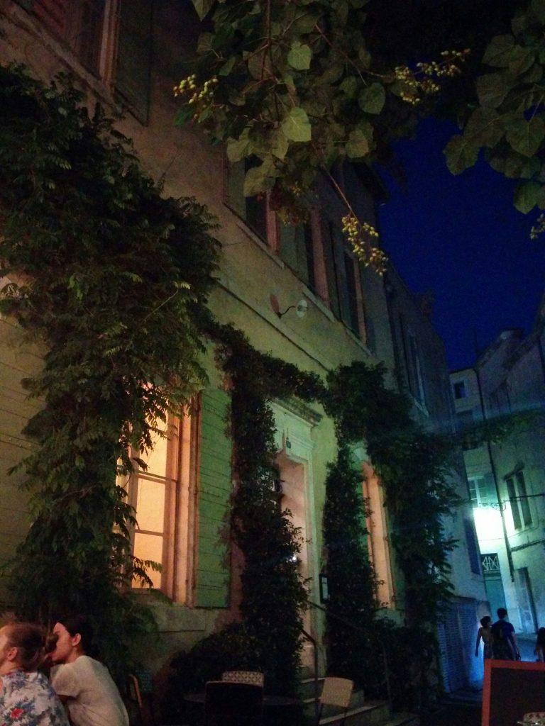 Arles cloître nuit