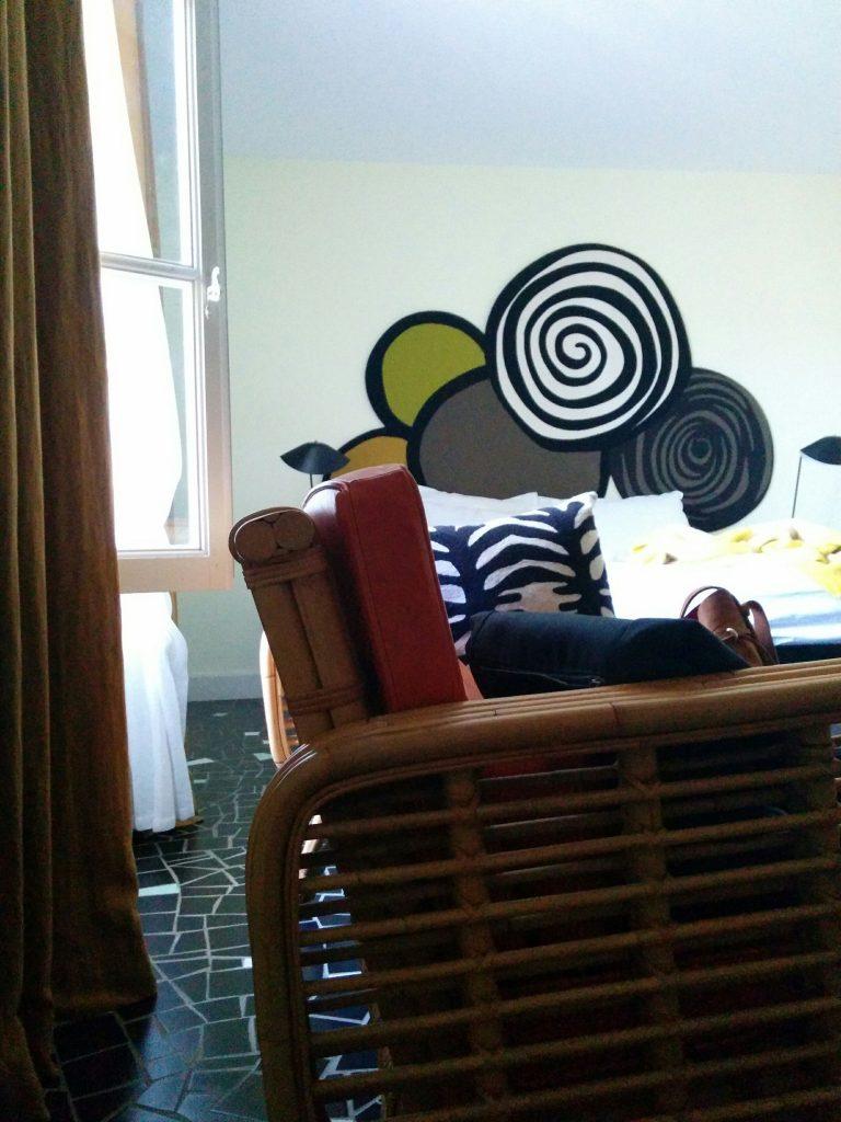 Arles cloitre canapé chambre