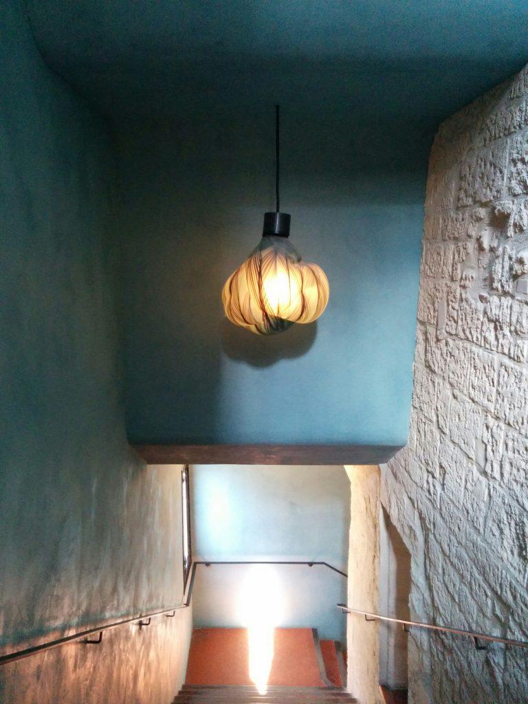 Arles cloitre escalier