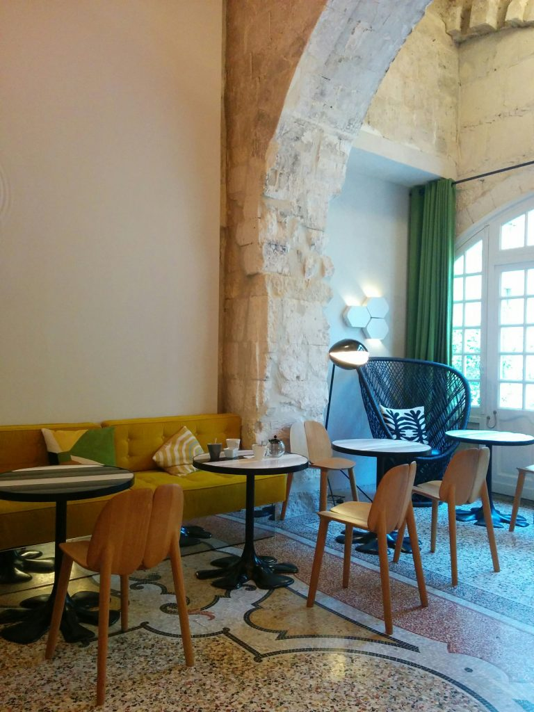 Arles cloitre pt déj 2
