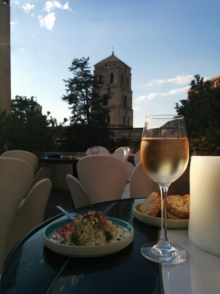 Arles cloitre terrasse